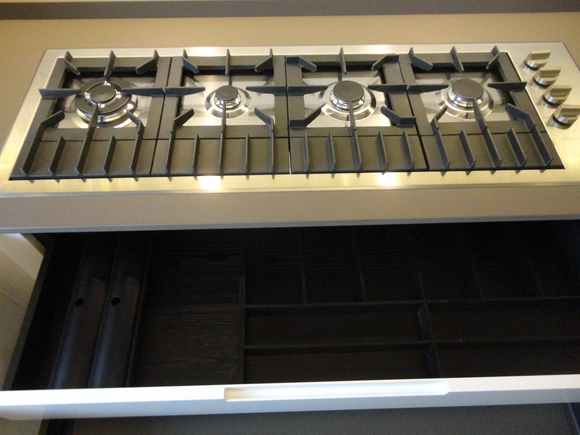 Progettazione e realizzazione interni battipaglia sa for Arredamenti plaitano