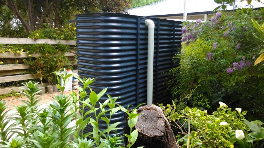 black corrugated ultra slim tank