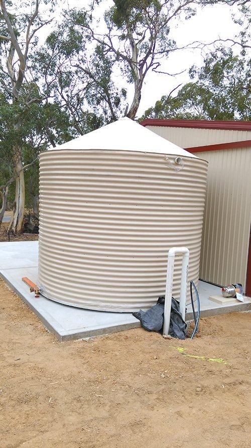 installing tan cylinder tank