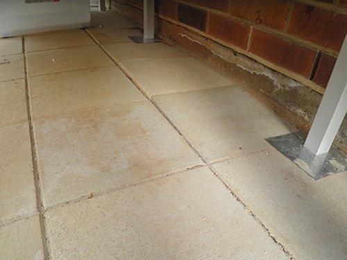tan stone tiling