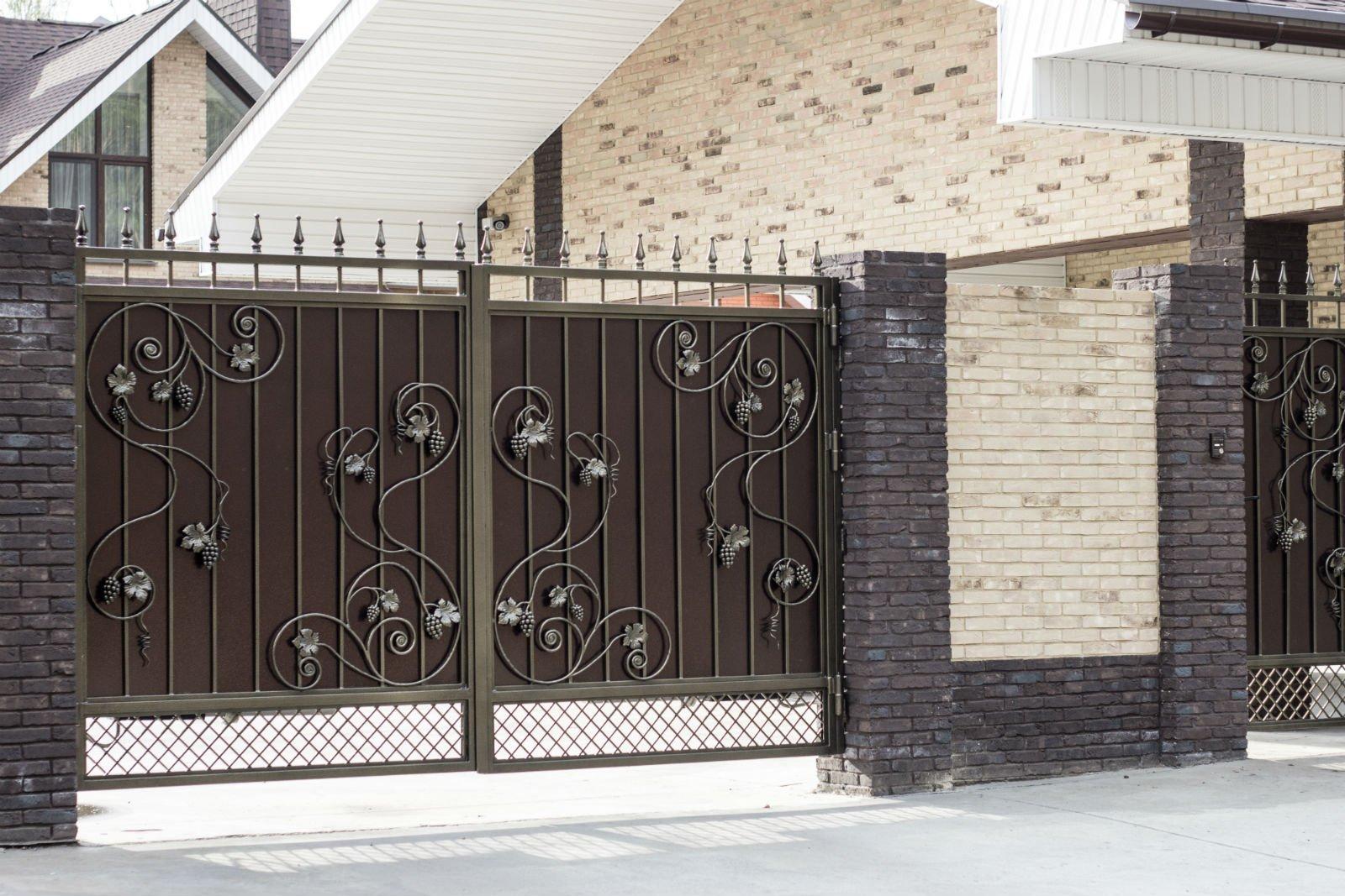 Cancello di ferro battuto