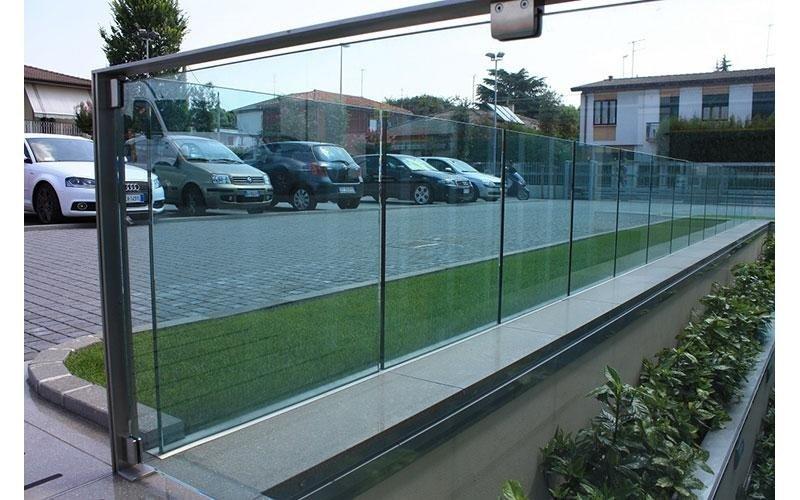 parapetto in vetri