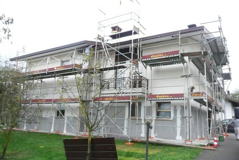 DURANTE - risanamento conservativo sulla porzione perimetrale del fabbricato con rasatura armata, finiture e rivestimento acrilico