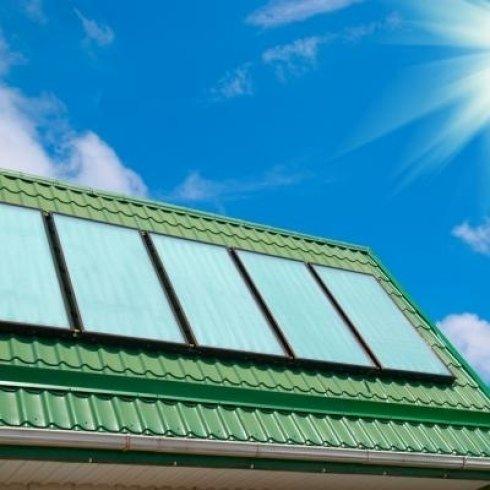 La ditta vende pannelli solari per consumi energetici ecologici