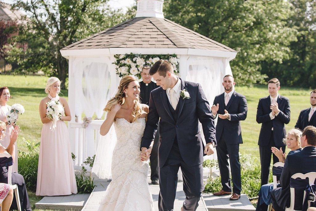 Outdoor Weddings The Pros Cons