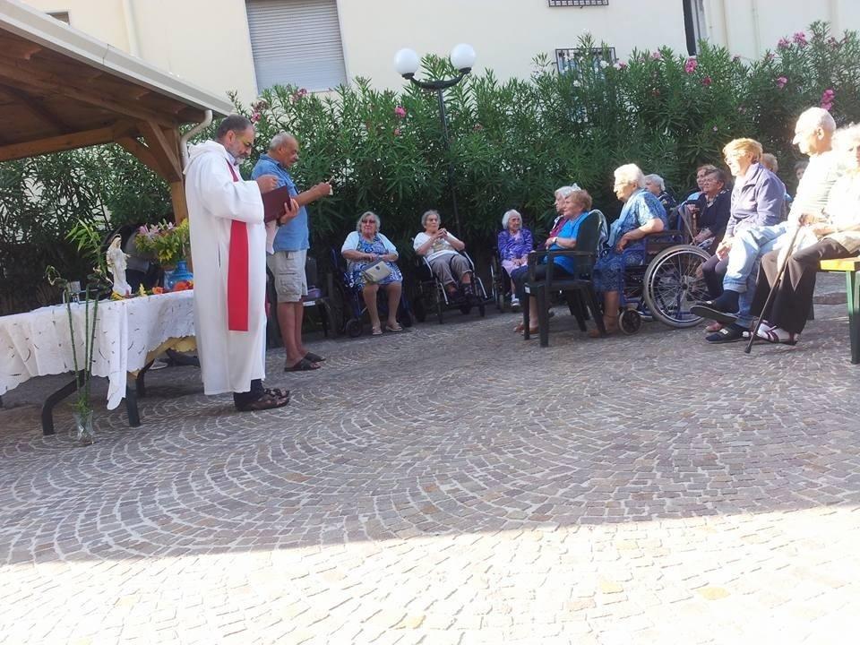 La messa in giardino