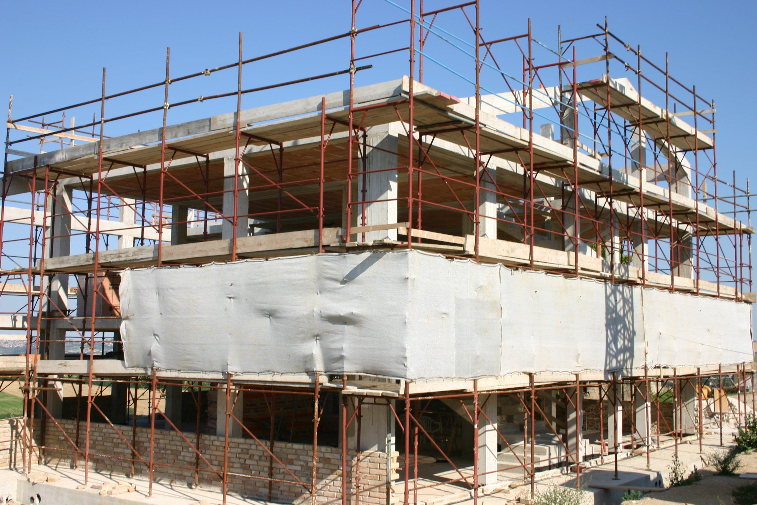 Esterno fabbricato in costruzione