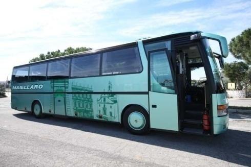 tourist bus hire