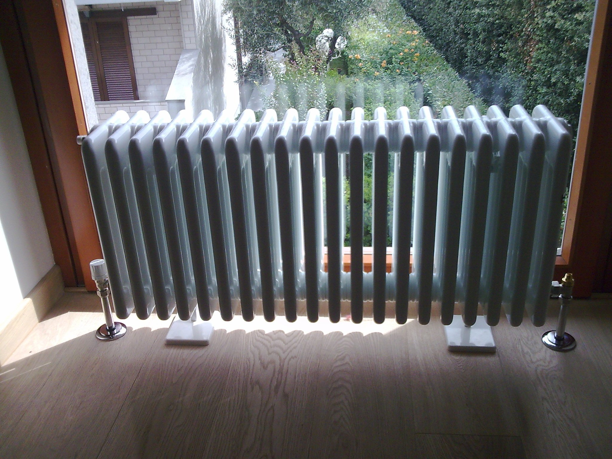 radiatore bianco
