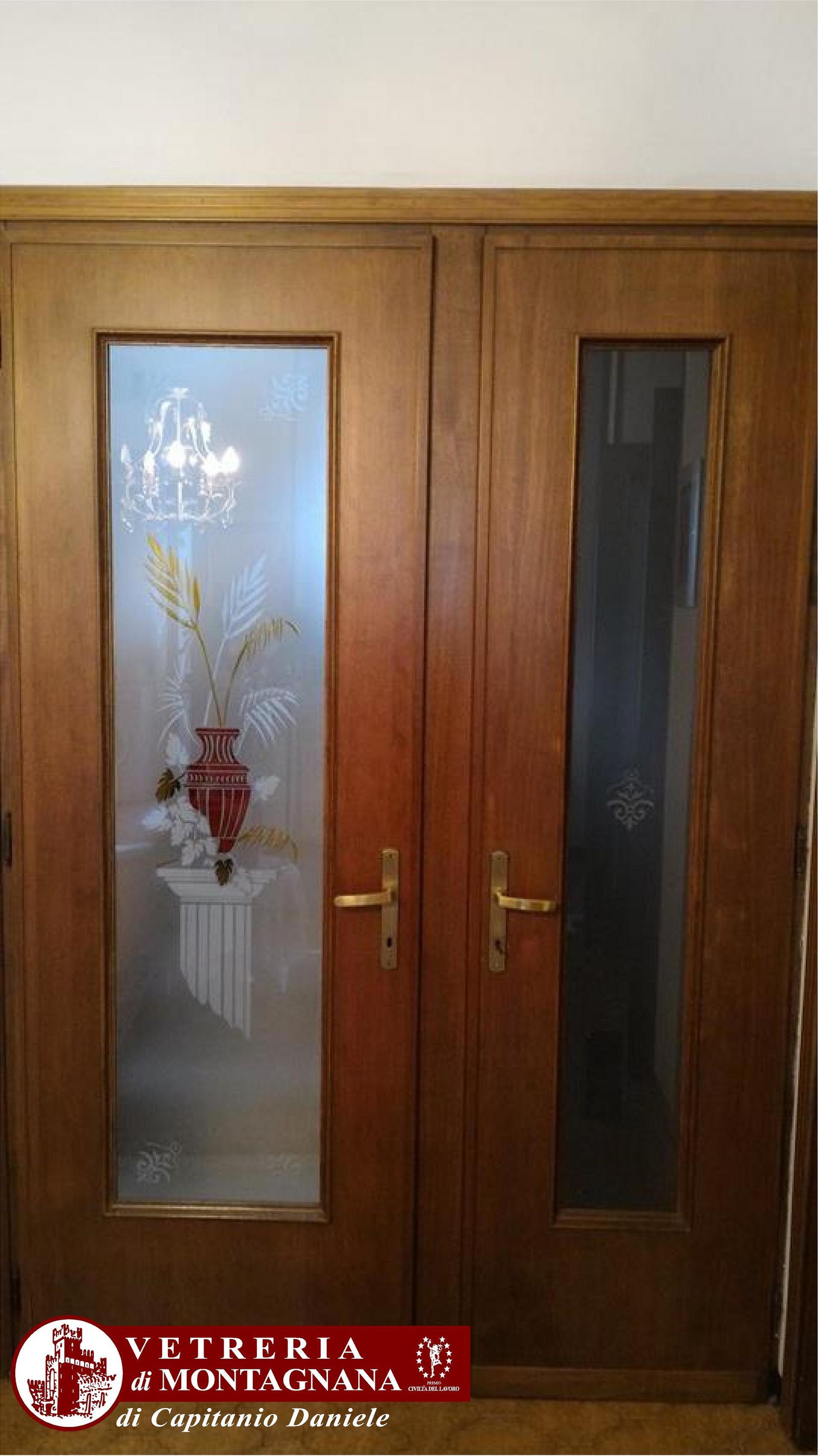 Vetri decorati a mano montagnana pd vetreria di montagnana - Vetri decorati per porte interne classiche ...