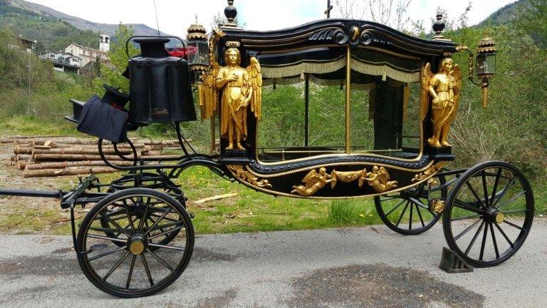 Carrozza funeraria