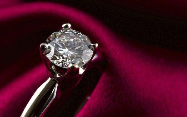 Gioielli su misura e diamanti