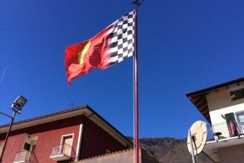 La bandiera sventolare