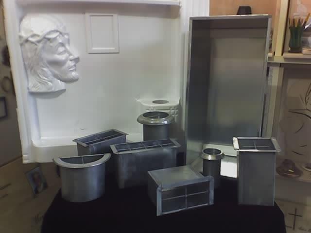 Articoli funerari in metallo