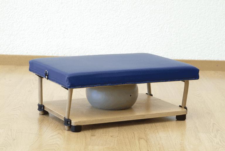 Temix, innovativo step, formato da due tavole con una palla centrale, tenute insieme da forti elastici ad alta resistenza