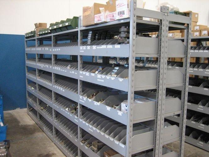 Scaffalature negozi di ferramenta