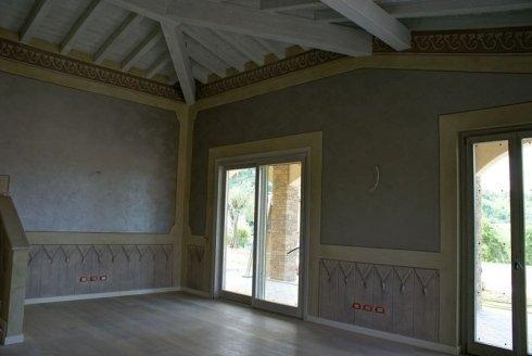 applicazione stucchi, decori in rilievo, stucco veneziano
