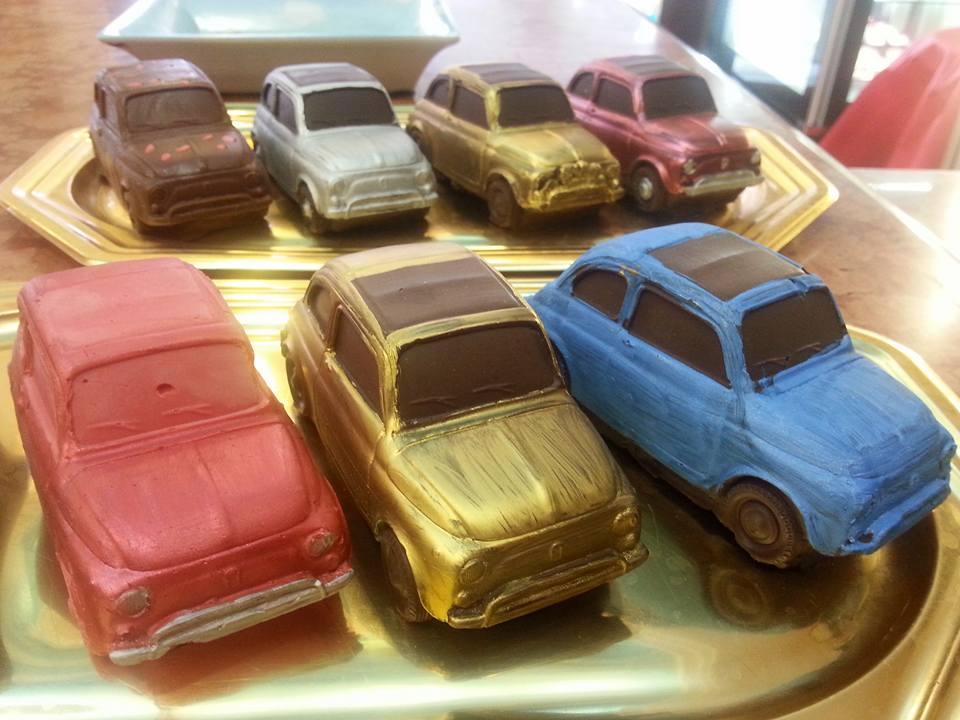 modellini di macchina al cioccolato