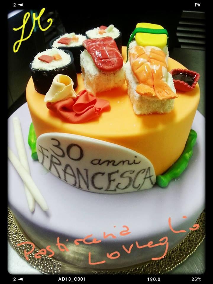 torta scultura a tema sushi per compleanno