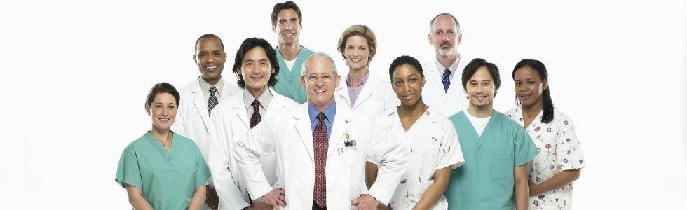camici medici e operatori sanitari