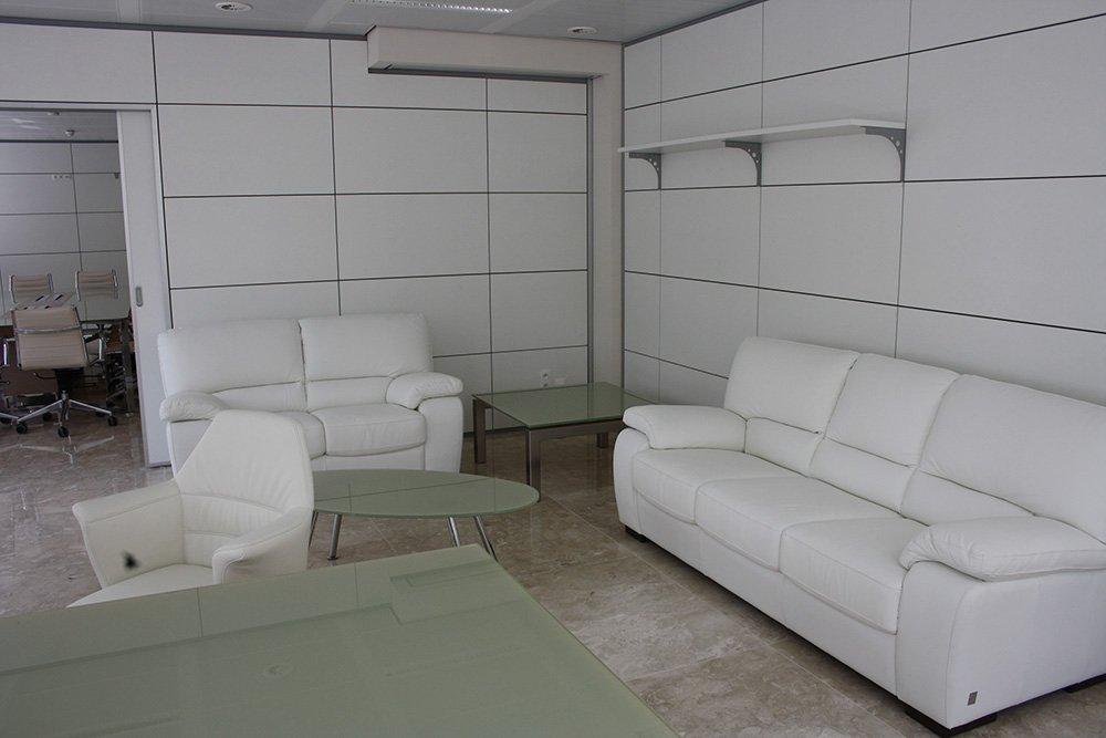 Bello interiore di una sala d'attesa