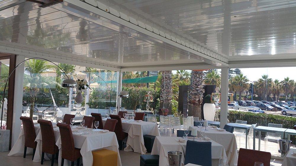 interno del moderno ristorante