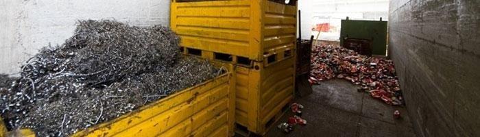 cassoni per rifiuti metallici