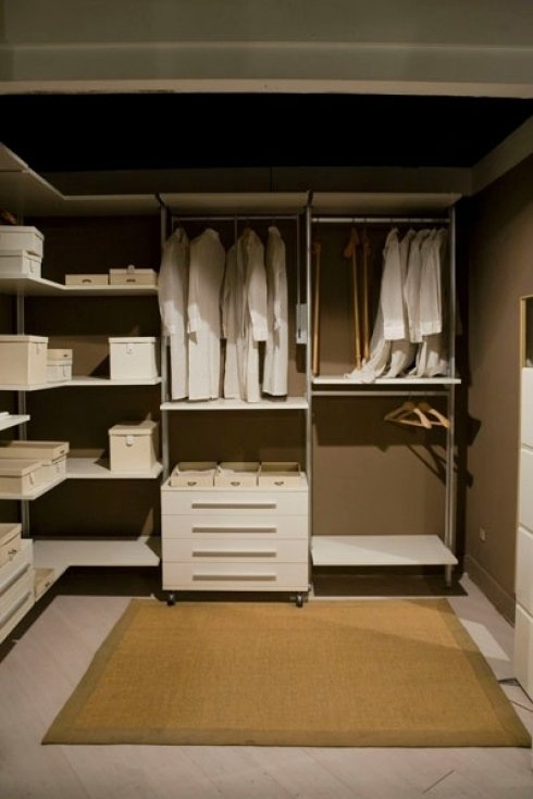 ampia cabina armadio