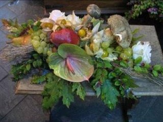 Composizione con fiori autunnali