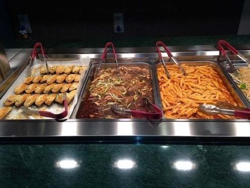 buffet orientale e italiano