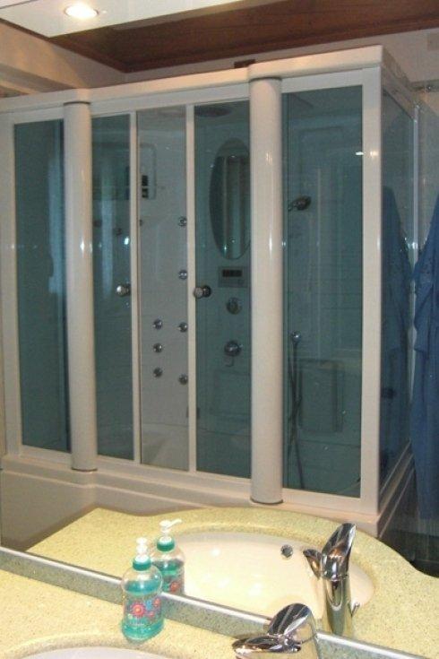 Esempio di doccia installata dalla ditta.
