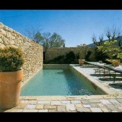 piscina pavimentazione cemento