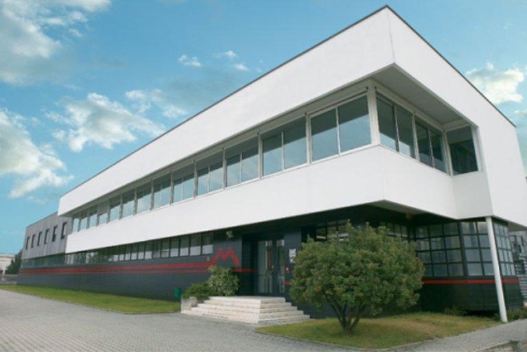 Tra le specializzazioni della ICE figura la costruzione di edifici industriali