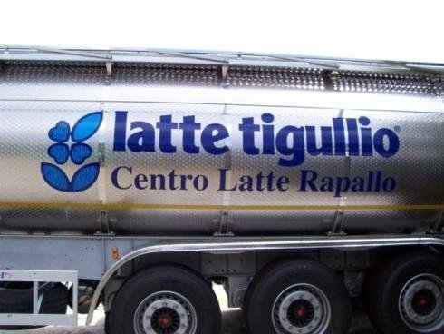Scritta Latte Tigullio