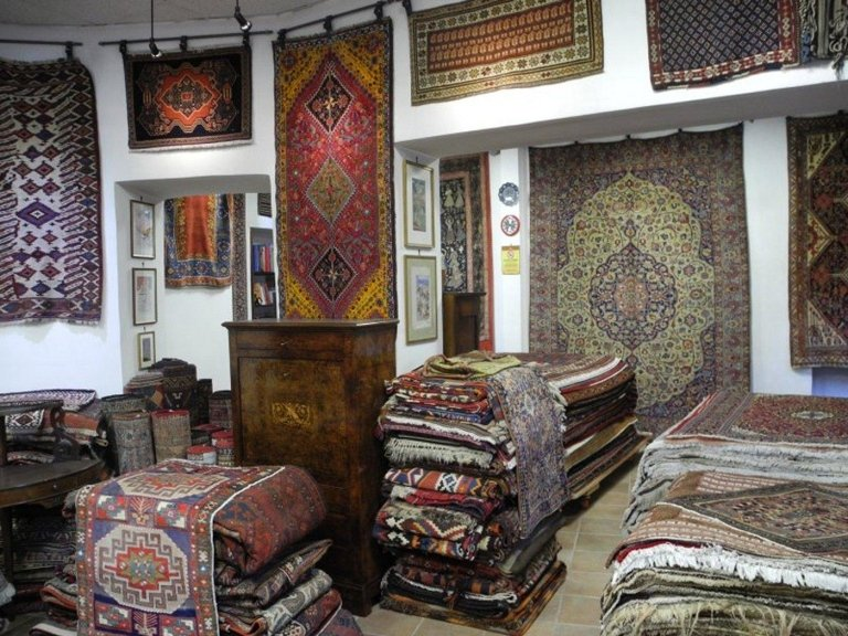 assortimento tappeti persiani