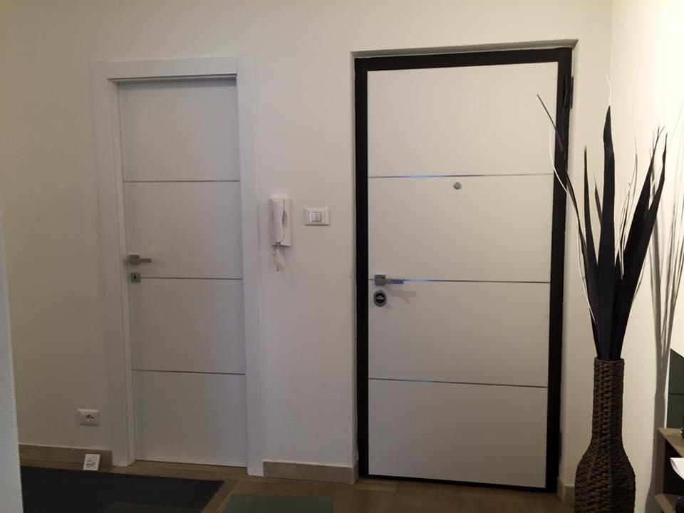 Due porte per interni bianche