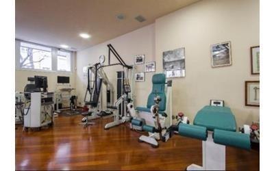 attrezzatura centro ortopedico