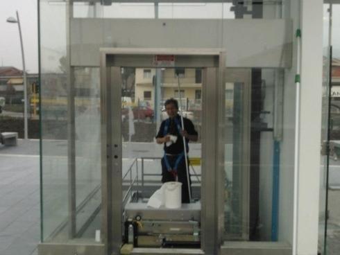 Pulizia stazioni metropolitana