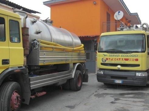 mezzi per trasporto rifiuti speciali