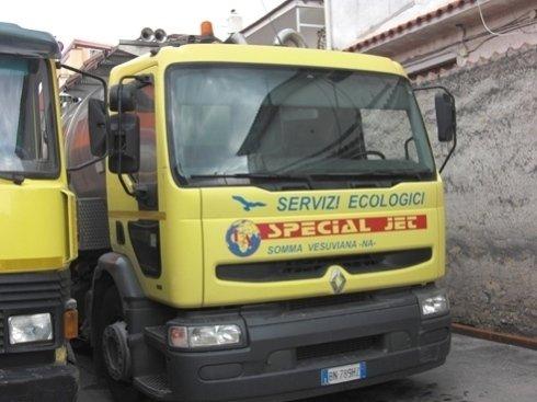 mezzi per pulizia pozzetti stradali, griglie e cunicoli