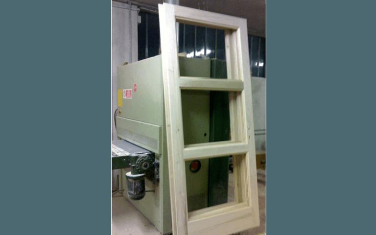 produzione telaio porta a vetri
