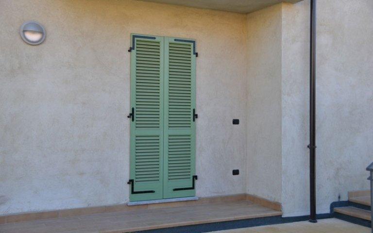 persiane laccate verde
