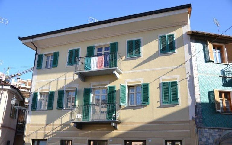 installazione finestre edificio residenziale
