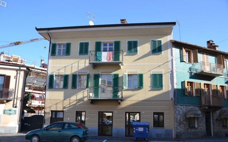 realizzazione serramenti edificio residenziale