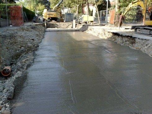 del cemento fresco in una strada