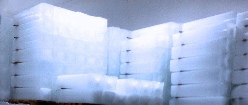 blocchi in ghiaccio per bevande
