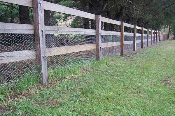 Get Timber Fencing Supplies in Narellan | HAYTERS TIMBER AND PAVING