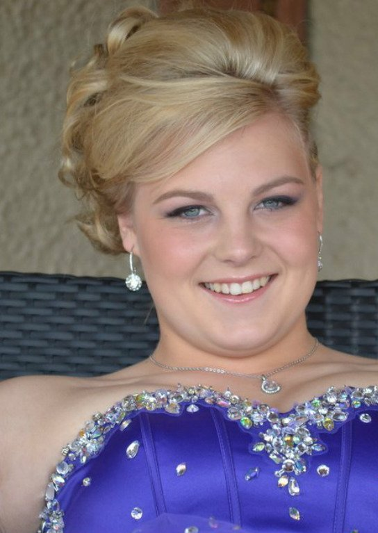 Prom and occasion make-up