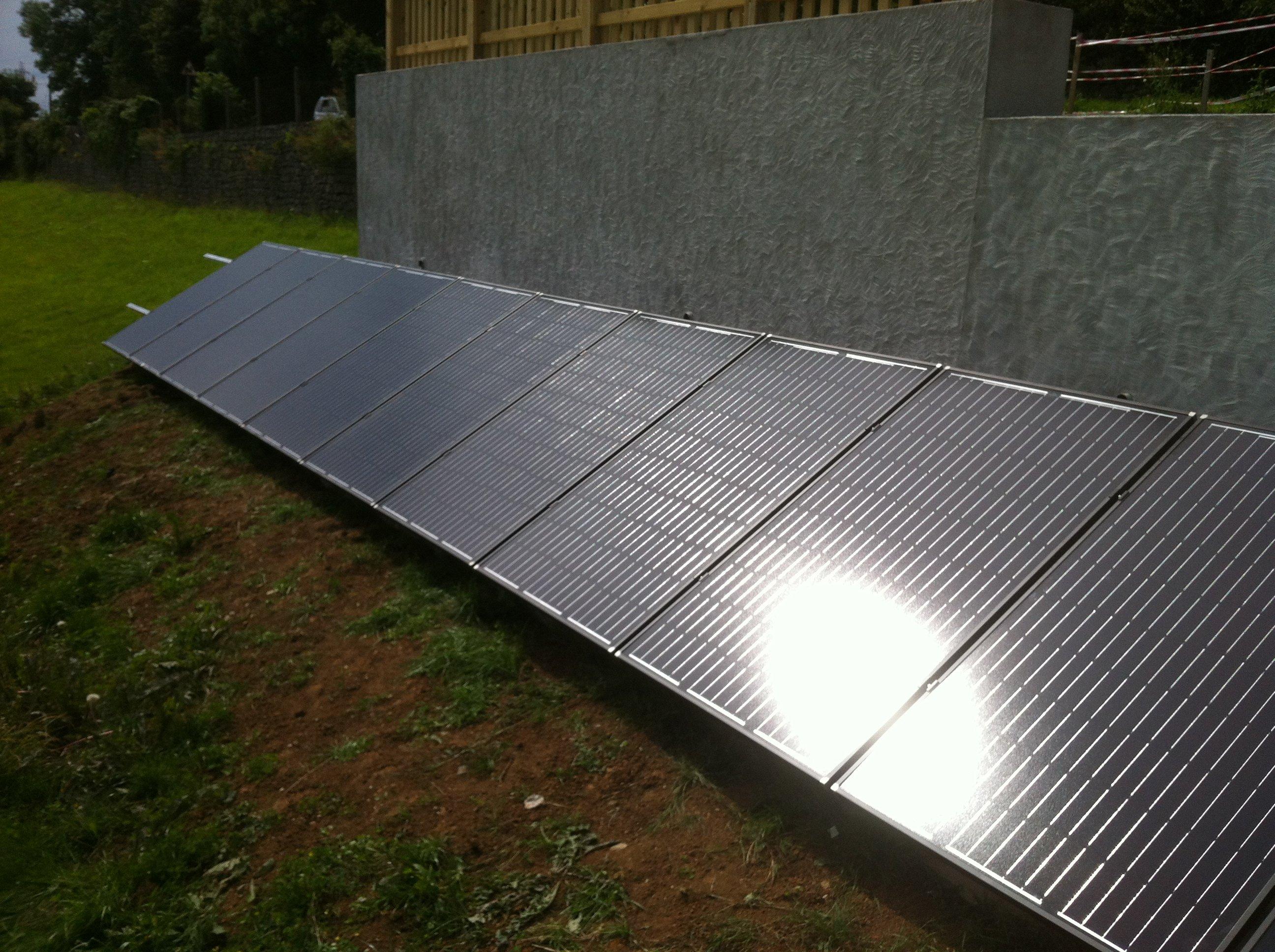 sun rays falling on the solar panel