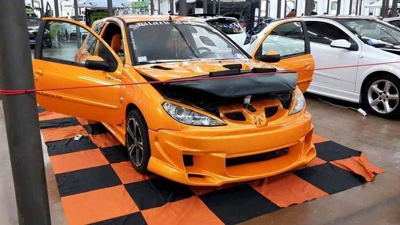 macchina gialla